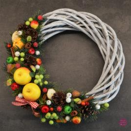 Wianek świąteczny owocowy